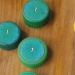 Juego de estampillas con tapas recicladas de refresco
